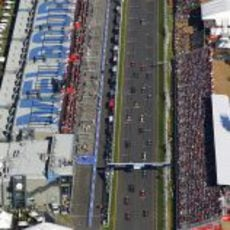 La salida del GP de Australia, desde el aire