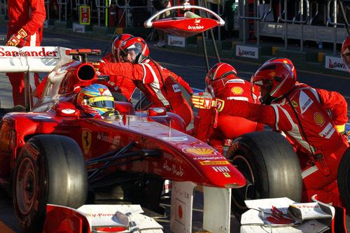 Parada en boxes para Fernando Alonso