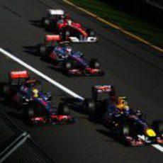 Webber, Hamilton, Button y Alonso en la salida del GP de Australia 2011