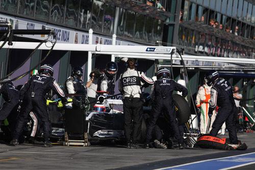 Barrichelo en una parada en boxes durante el Gp de Australia
