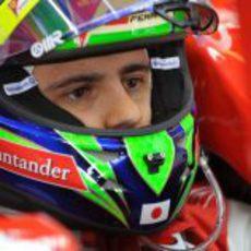 Felipe Massa metido en su coche en Australia