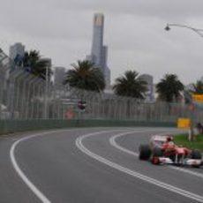 Alonso rueda el viernes en el GP de Australia