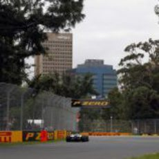 Rosberg entre los muros de Albert Park