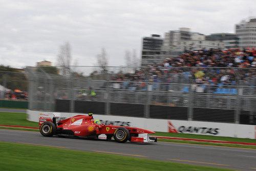 Massa intenta mejorar su crono con las gomas blandas