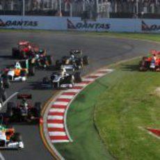 Primera curva del GP de Australia 2011
