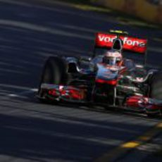 Button en carrera con su McLaren
