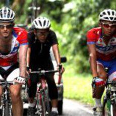Trulli se entrena en bicicleta para el Gran Premio