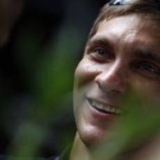 Petrov sonríe a su llegada a Malasia