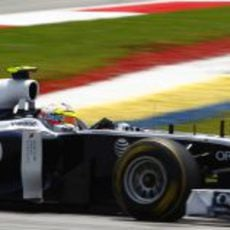Maldonado rueda en el circuito de Sepang