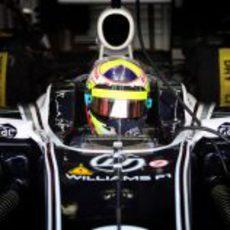 Pastor Maldonado metido en su Williams