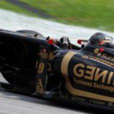 Heidfeld pilotando en los libres de Sepang