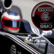 Barrichello se detiene en el pit lane