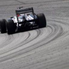 Barrichello pilotando en el circuito de Sepang