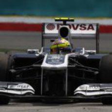 Pastor Maldonado a bordo de su FW33