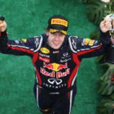 Victoria para Vettel en el GP de Malasia 2011