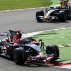 Bourdais seguido de Coulthard