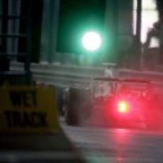 Barrichello en el pit lane
