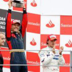 Vettel levanta el trofeo de campeón