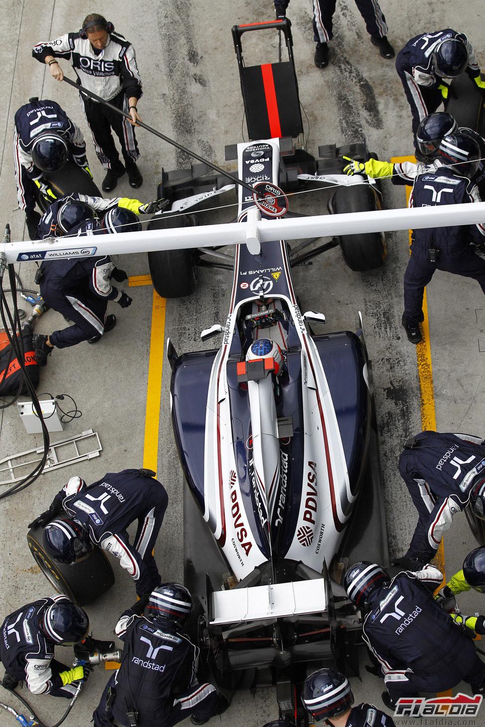 Parada en boxes para Rubens Barrichello