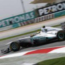 Rosberg consiguió clasificar en novena posición