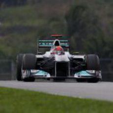Michael Schumacher rueda en Sepang