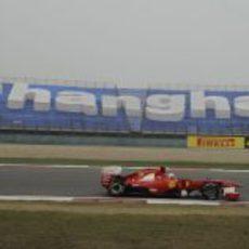 Fernando Alonso en los entrenamientos del GP de China 2011