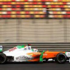 Adrian Sutil en los libres del GP de China 2011