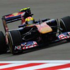 Jaime Alguersuari durante la clasificación del GP de China 2011