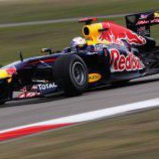 Tercera 'pole' consecutiva para Vettel