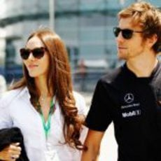 Jessica Michibata y su novio en el GP de China 2011