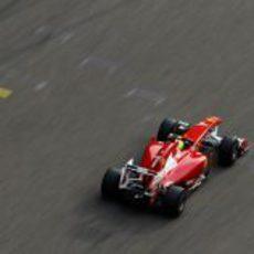 Massa cruzó la línea de meta en sexta posición en China 2011