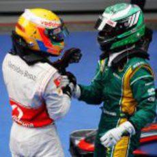 Kovalainen felicita a Hamilton por su victoria en el GP de China 2011