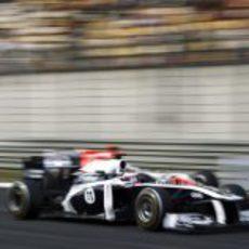 Barrichello adelantando a un Hispania