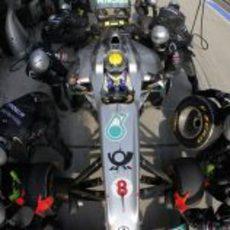 Parada en boxes para Nico Rosberg en China 2011