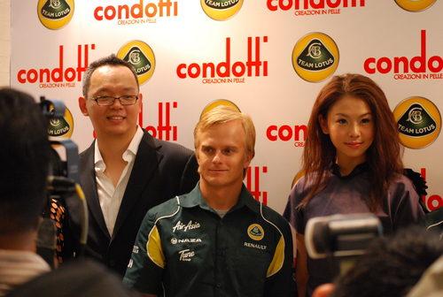 Heikki Kovalainen en un acto promocional en Malasia