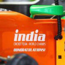 Force India felicita al equipo de cricket del país asiático por su título