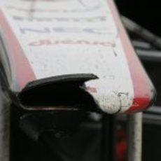 Kobayashi acabó la carrera de China 2011 con el morro roto