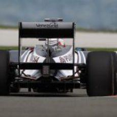 Barrichello durante la sesión de prácticas del GP de Turquía 2011
