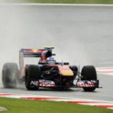 Daniel Ricciardo bajo la lluvia del GP de Turquía 2011