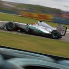 Schumacher rueda durante los segundos libres del GP de Turquía 2011