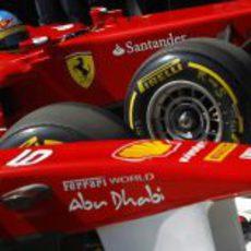 Los dos Ferrari llegan al parque cerrado de Istanbul Park