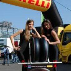 Las chicas de Pirelli celebran el 150 aniversario de la reunificación de Italia