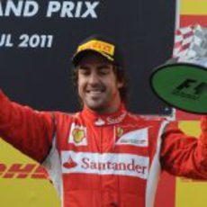 Fernando Alonso termina tercero en el GP de Turquía 2011