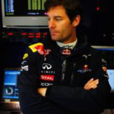 Webber en el box de Red Bull en el GP de Turquía 2011