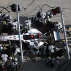 Parada en boxes para Michael Schumacher en el GP de Turquía 2011