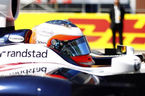 Barrichello antes de tomar la salida del GP de Turquía 2011