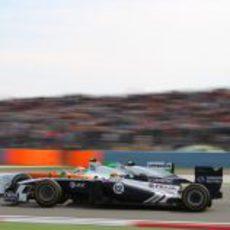 Maldonado luchando con un Force India