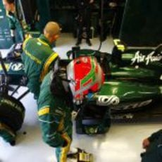 Jarno Trulli se prepara para la carrera