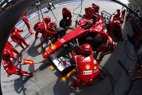 Parada en boxes para Alonso en el GP de Turquía 2011