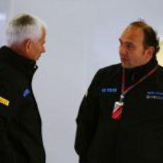 Willis conversa con su jefe Kolles